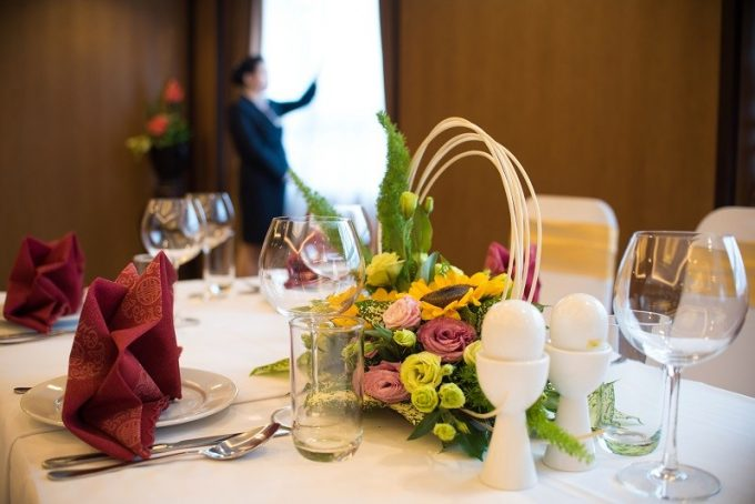 DINING-MEETING-EVENT